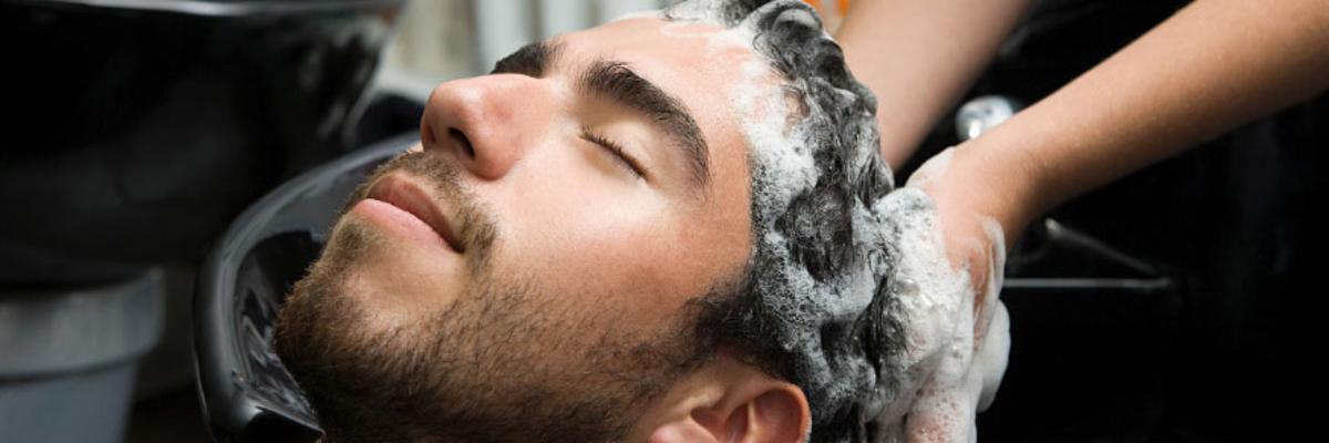 TOP 10 greșeli pe care să le eviți atunci când ai un păr ondulat natural