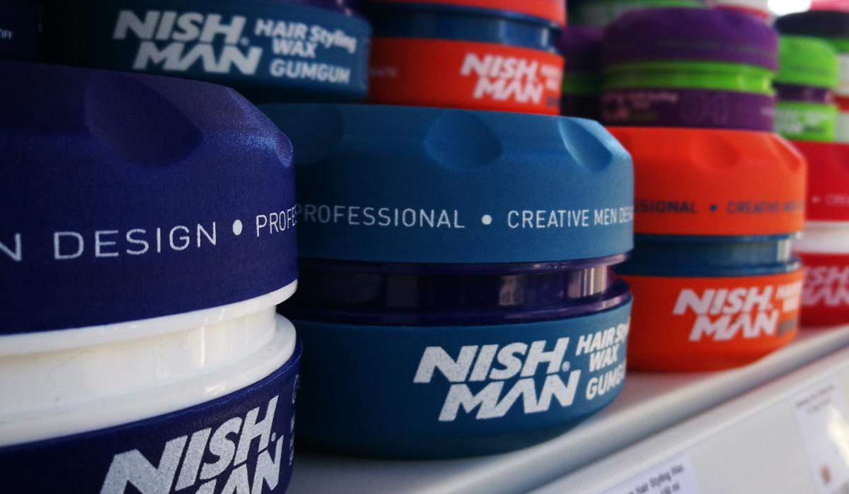 Descoperă care sunt produsele profesionale pentru îngrijirea părului de care orice bărbat are nevoie!