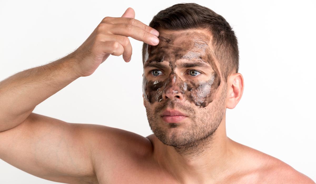 TOP 3 tratamente faciale pe care clienții salonului tău le vor aprecia