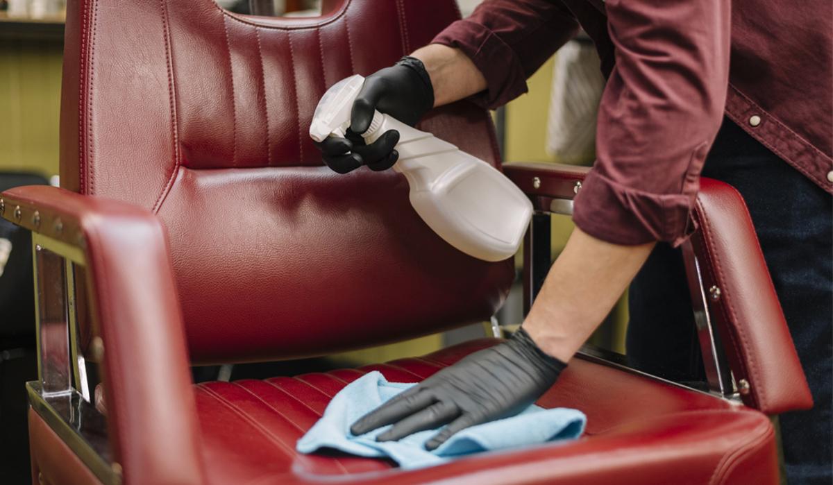 Cât de corect îți dezinfectezi salonul de frizerie?