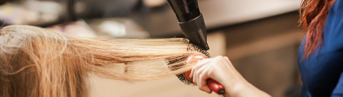 După ce criterii ne ghidăm atunci când  alegem un uscător de păr?